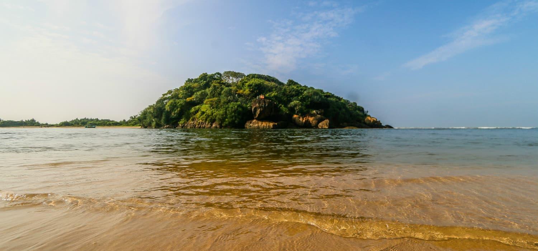 Kaluwamodara Beach Sri Lanka